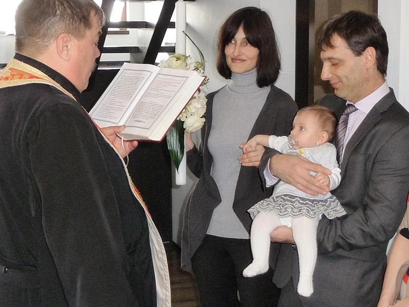 Cornelia și Mălin la botezul Sabinei, martie 2015